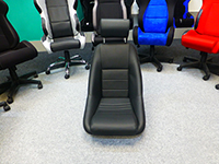 Cobra Classic RS seats with wider hip room